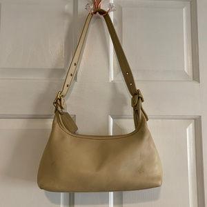 Coach Vintage 9059 Cream Leather Shoulder Bag